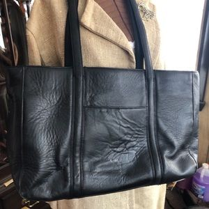 All leather shoulder tote by De Bon.